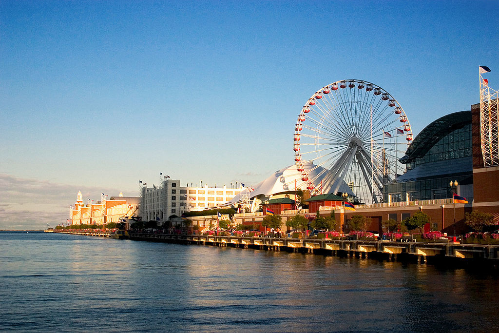 Rahm wants to loosen open-container laws at Navy Pier