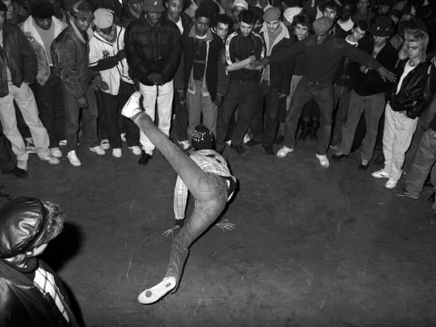 (Yoshi Omori, 'Triptyque Breakdance', Paris, Le Globo, 1988 / © Yoshi Omori)