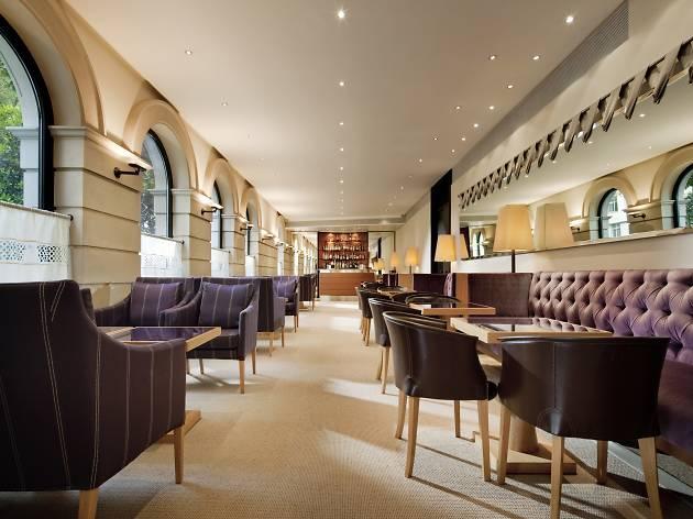 Halkin Bar