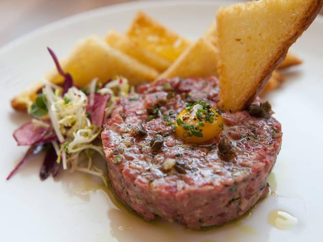 Beef tartare at Bouefhaus