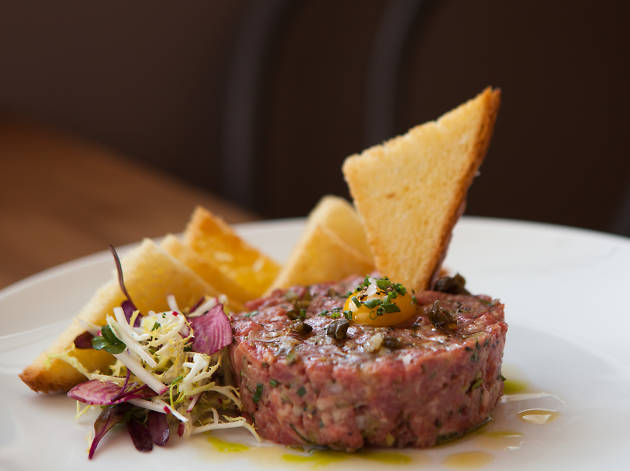 Bouefhaus has a steak tartare on their menu.