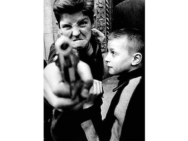 William Klein, Gun 1, New York, 1954