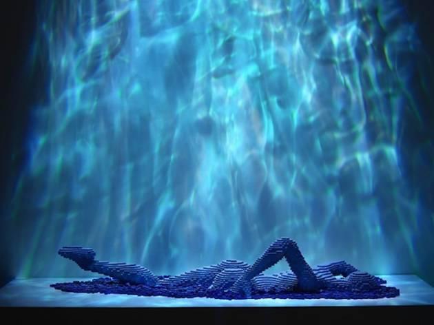 ('Swimmer' / © Nathan Sawaya)