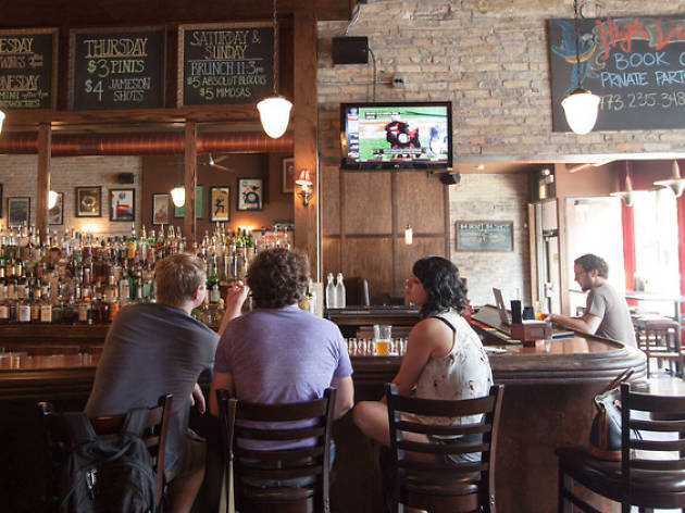 Happy hour could soon be legal in Chicago