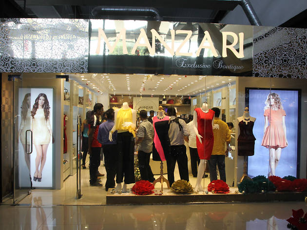 Manzari, a one-of-a-kind shop for women's dresses and accessories
