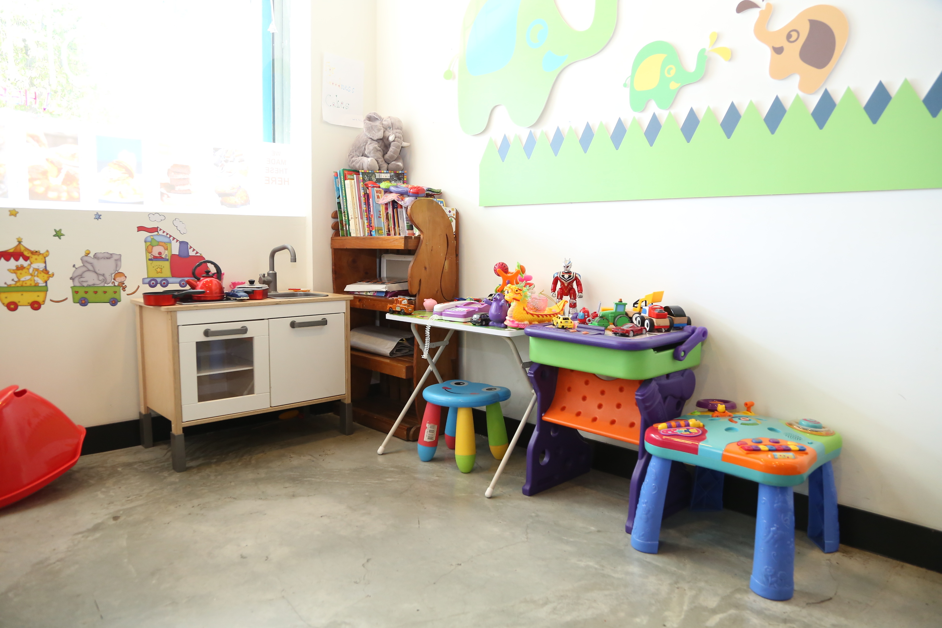 cakes; cafe; play area
