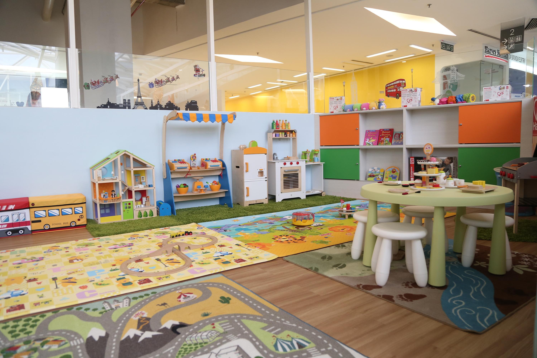 cafe; play area; kids