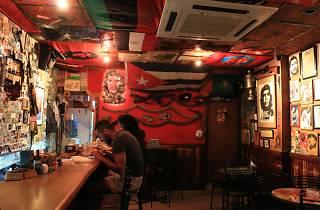 Abu Elie, Bars, Beirut