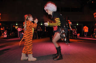 Baby Loves Disco & Tokyo Families Presents 'Halloween Night Fever!'