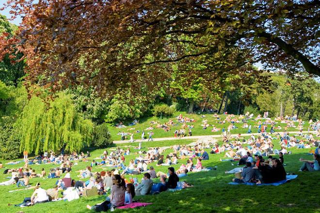 5 types d'individus qui fleurissent dans les parcs l'été