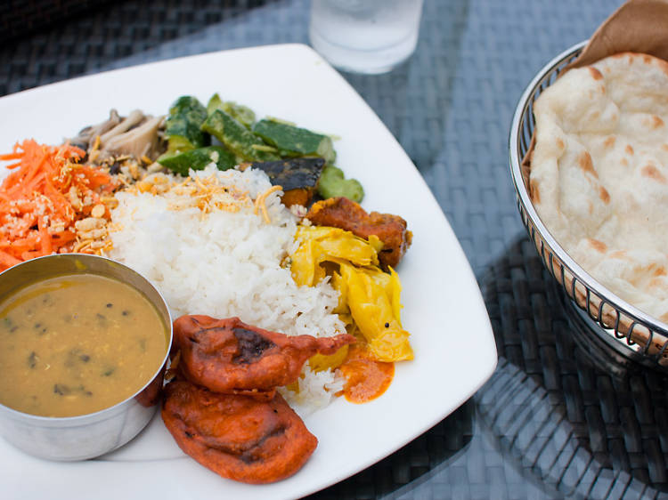 Turn a curry lunch into a chic experience
