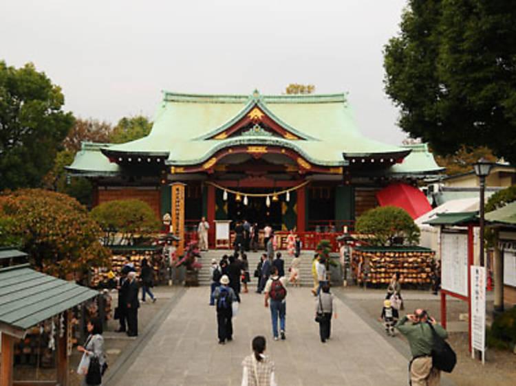 Wander under the wisterias at Kameido Ten Jinja