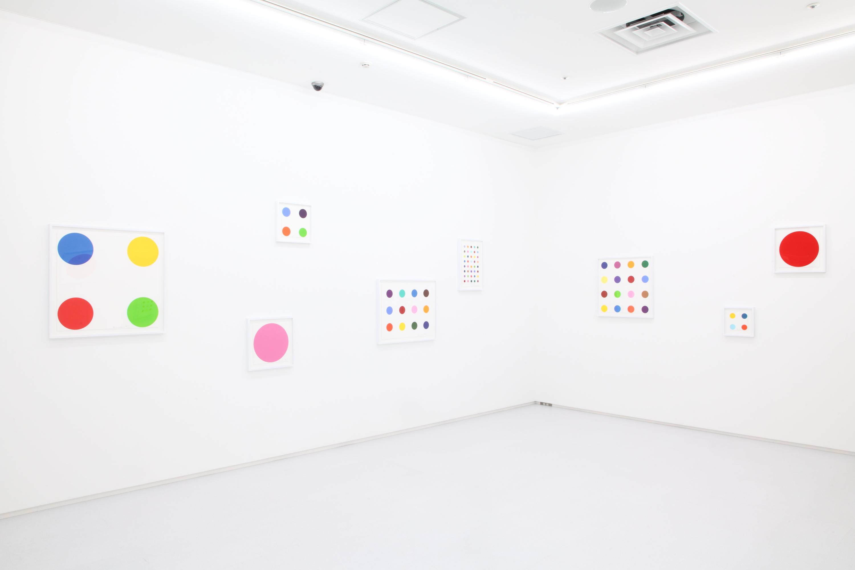 現代美術は8階で観る。