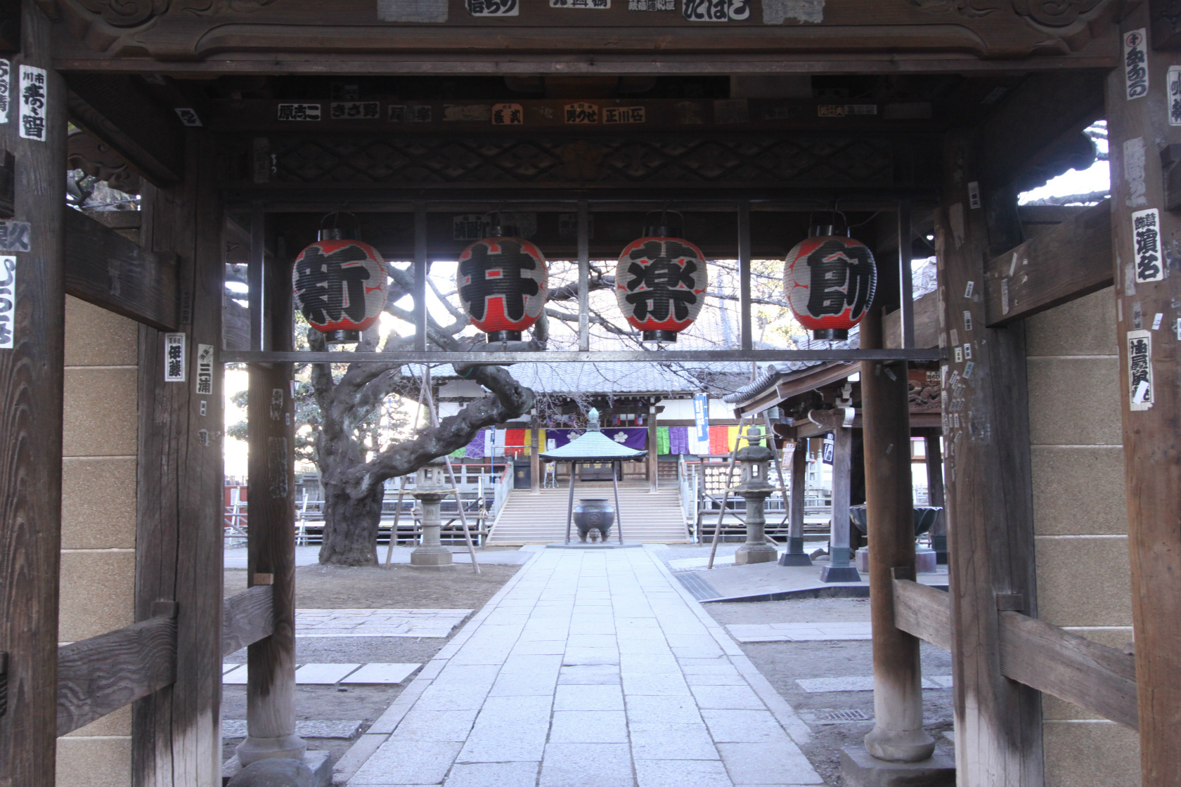 目が良くなる寺院に行く。