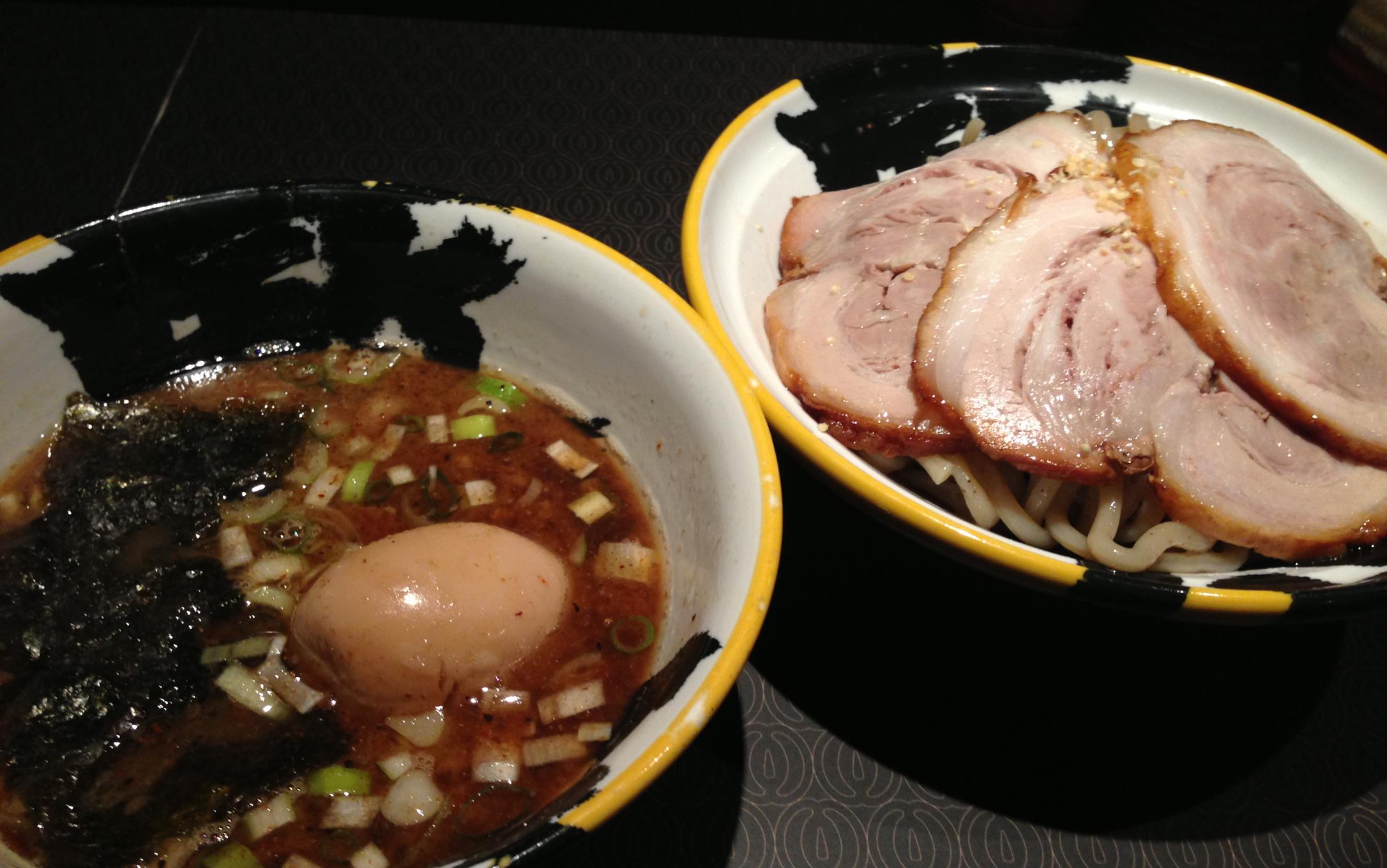 濃厚つけ汁×麻の実入り特製麺