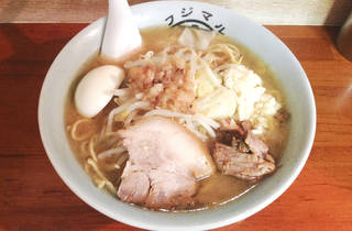 ラーメン 富士丸 西新井大師店