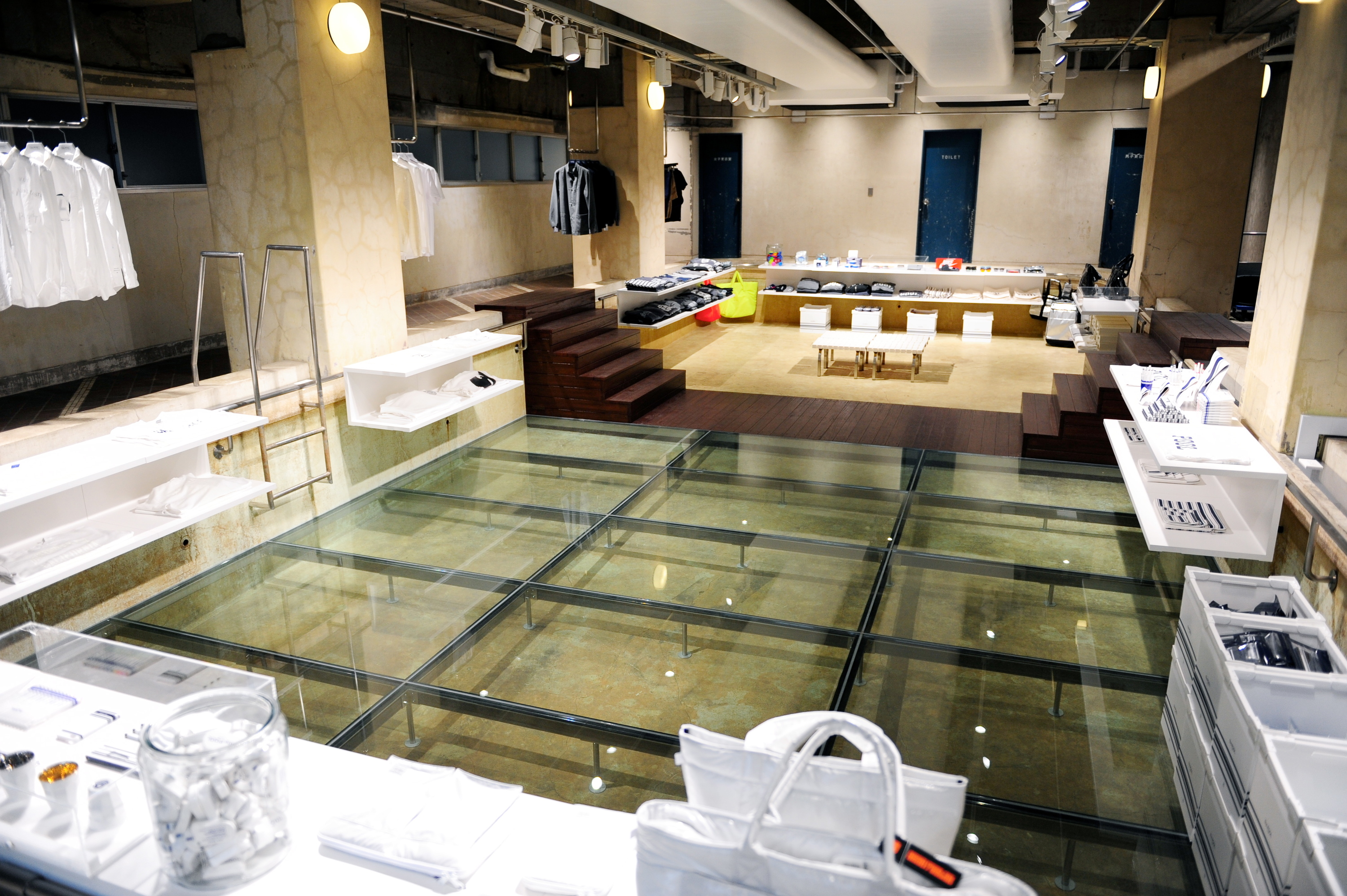 Closed the pool aoyama shopping in aoyama tokyo for Pool showrooms sydney