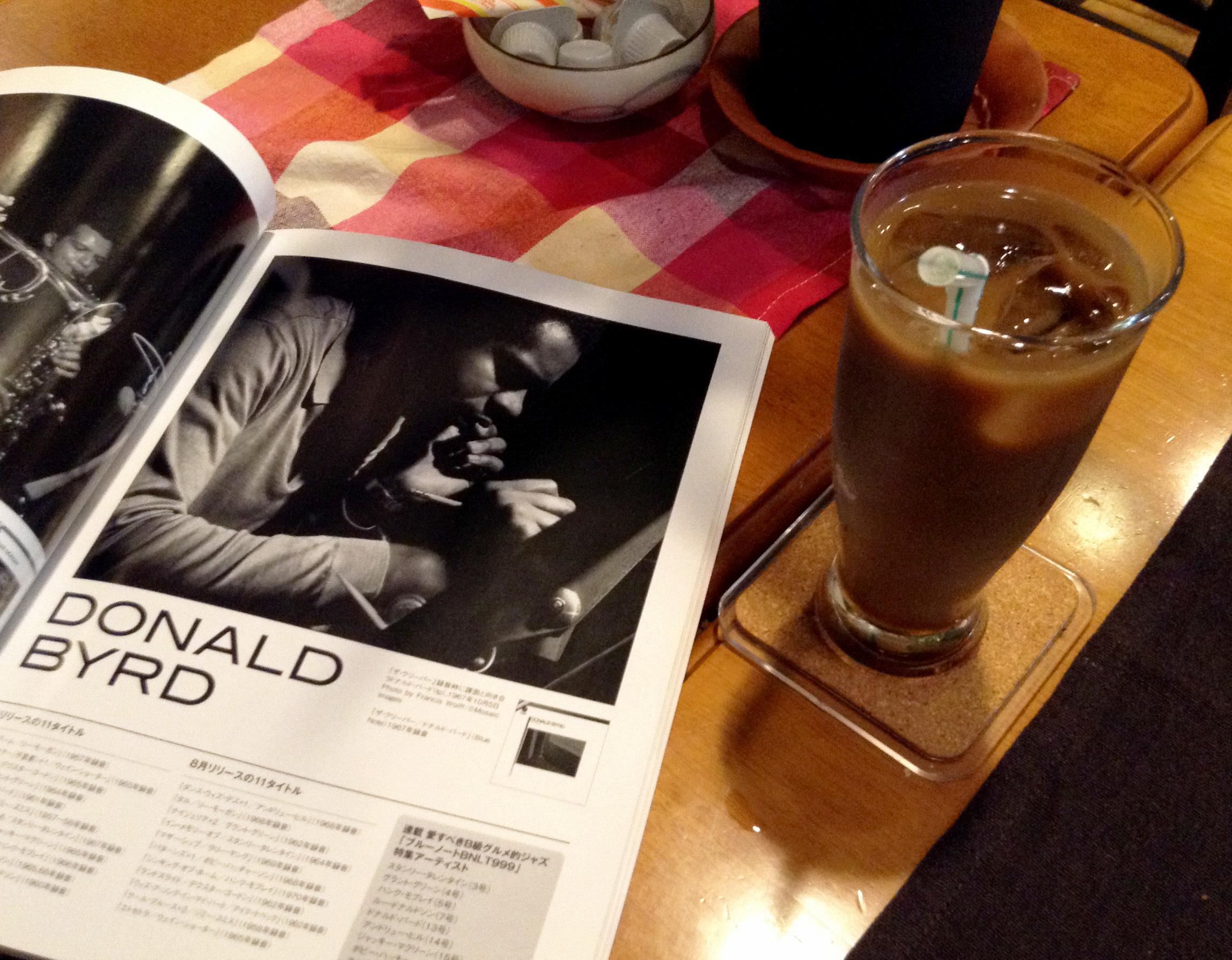 ジャズとコーヒーの隠れ家を見つける。