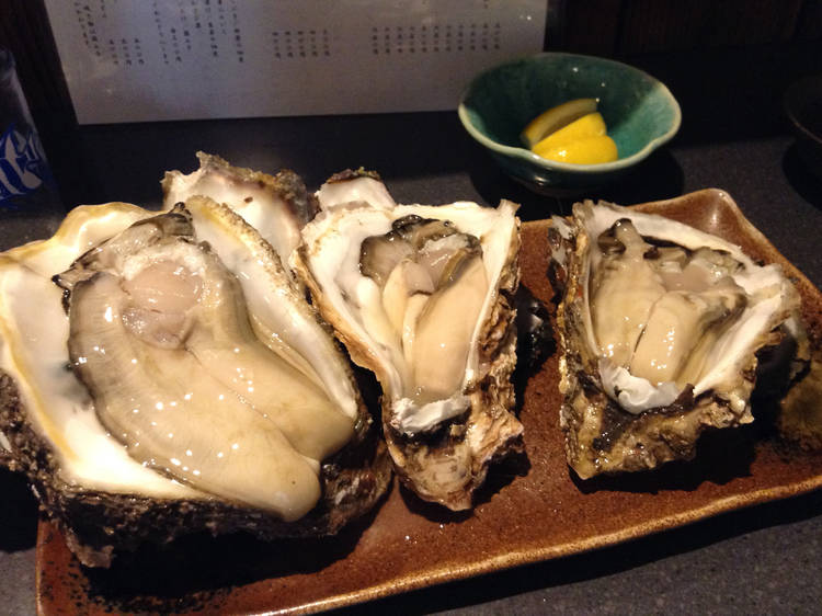 Feast on oysters and craft beer at Bakushuan