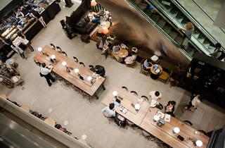 スターバックス コーヒー六本木ヒルズ ウエストウォーク ラウンジ店