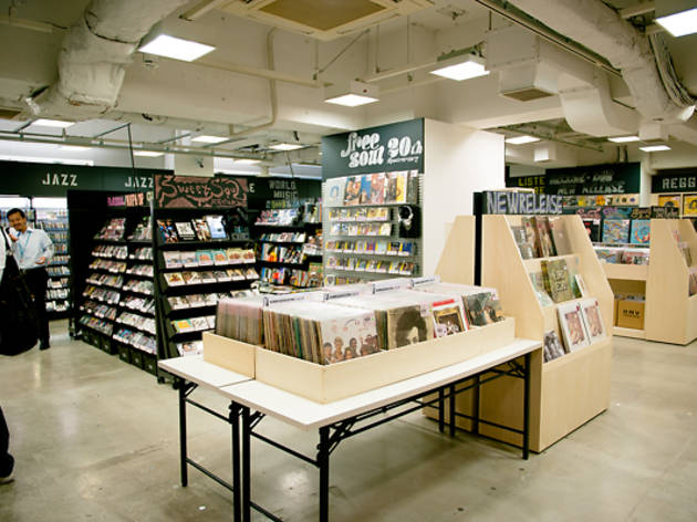 宇田川町:HMV record shop