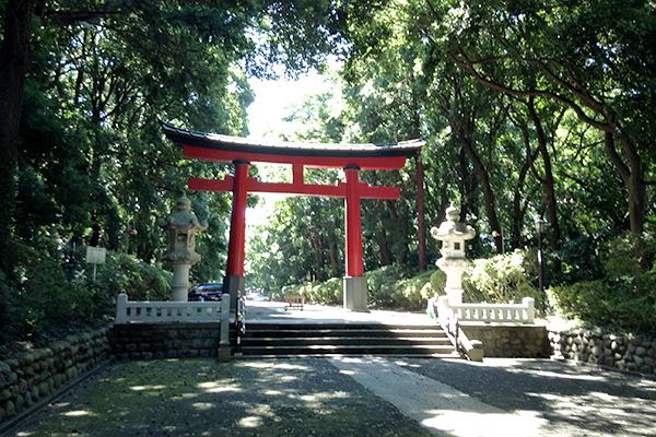 Take a breather at Omiya Hachimangu