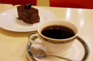 COFFEE & SWEETS AWAYA