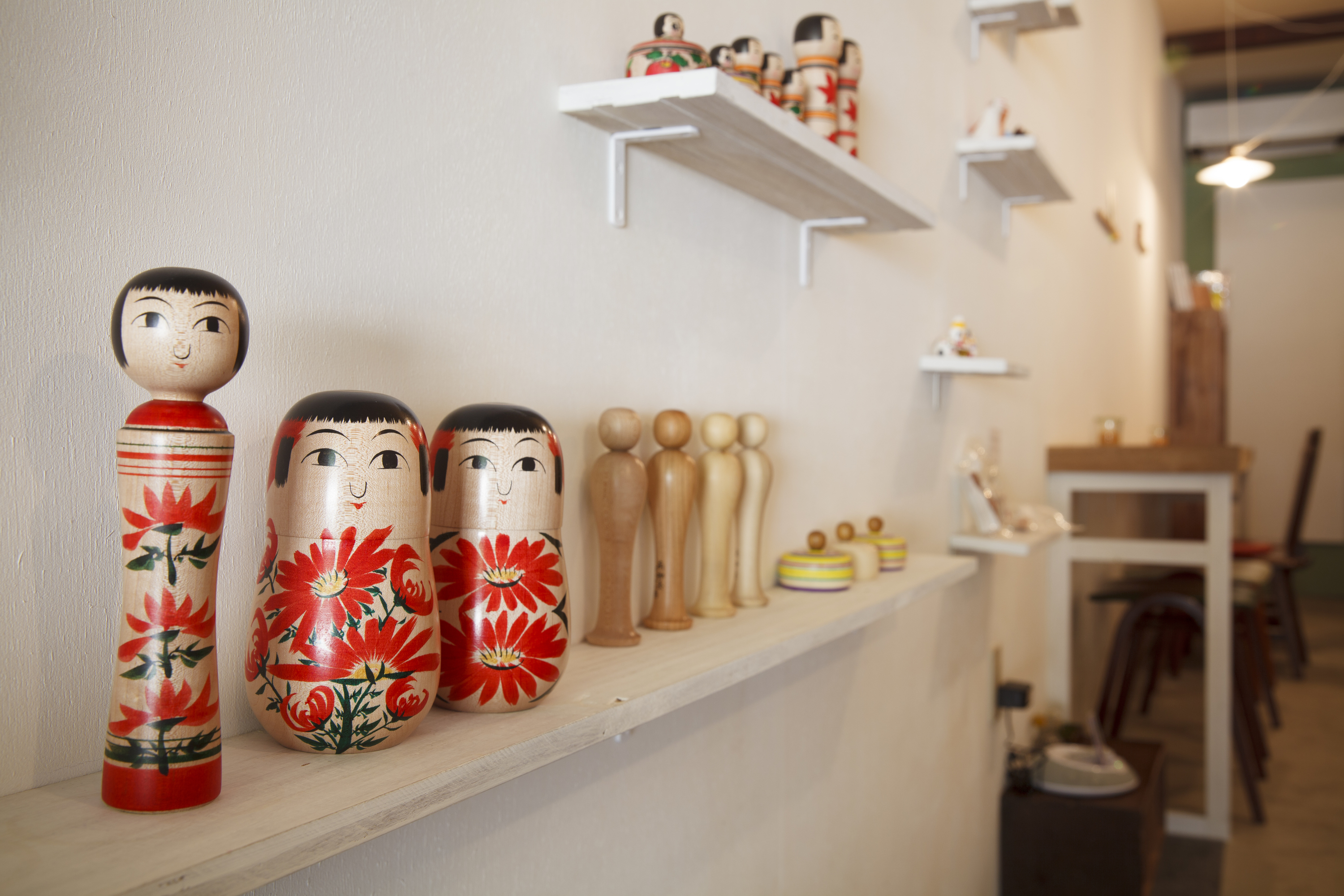Sip a cuppa with dolls...