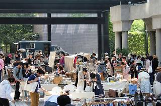 Akasaka Antique Market in Ark Hills