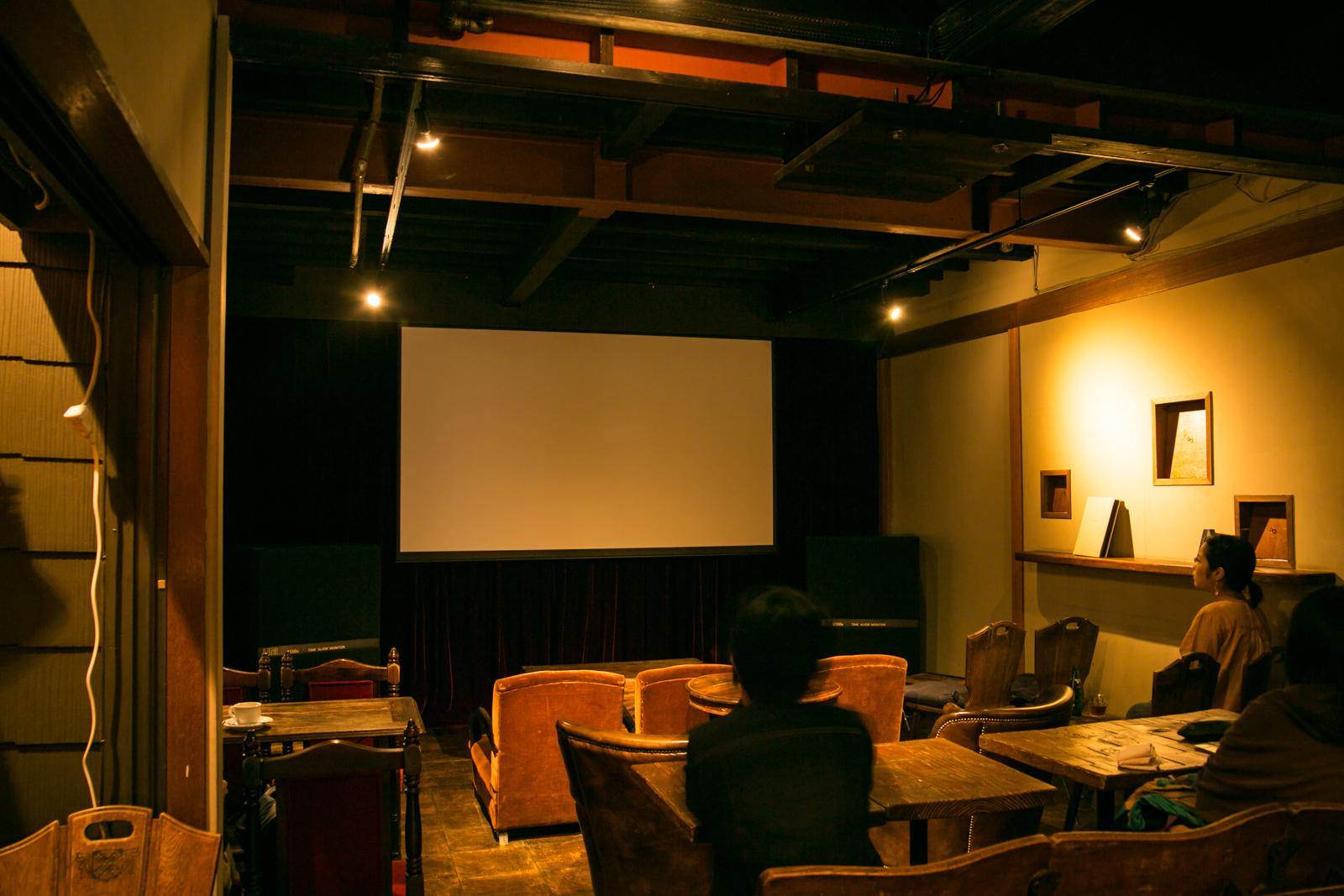 逗子海岸:CINEMA AMIGO/ビーチ&絶品ランチ