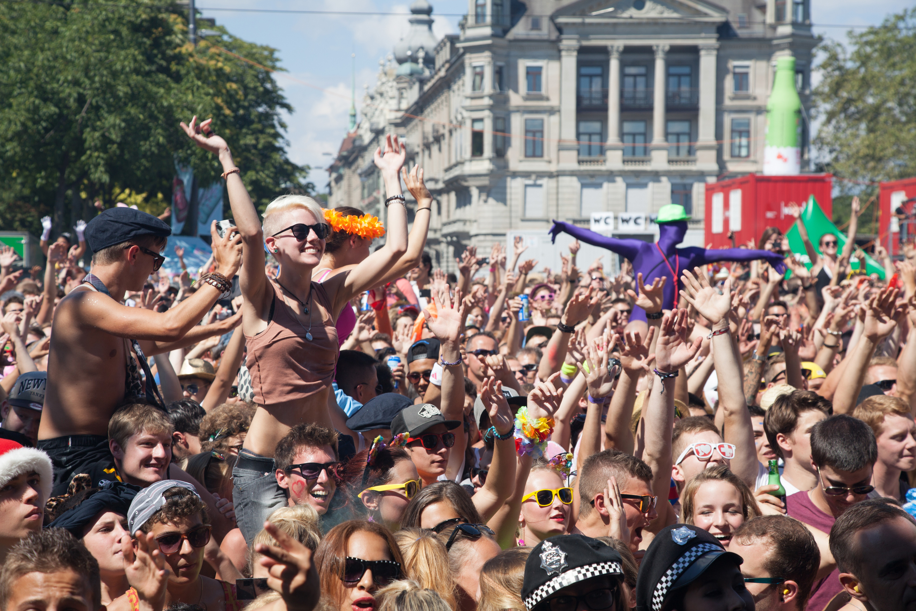Viral 'coronavirus protest photo' is actually Zurich's biggest street party