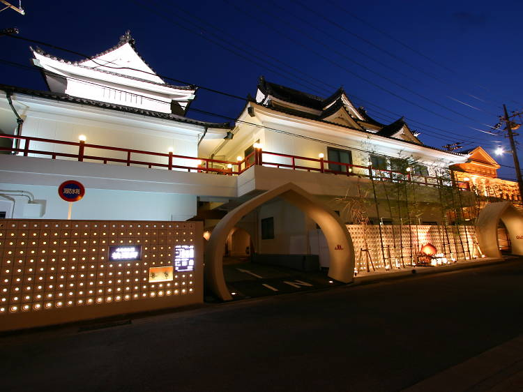 Hottest multi-use love hotels