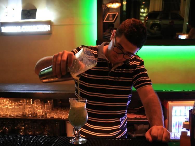 Y Cocktail Bar