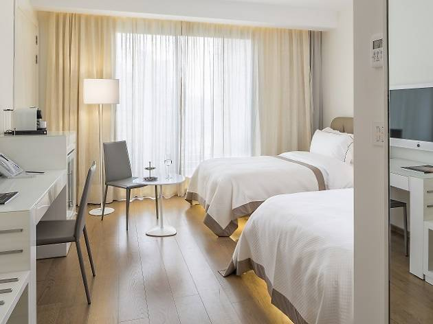 O Monot, Hotels, Beirut