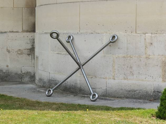 (Sèvres Outdoors 2015 / Delphine Coindet, 'A Cross', 2011 / Galerie Laurent Godin / Photo : © TB / Time Out)