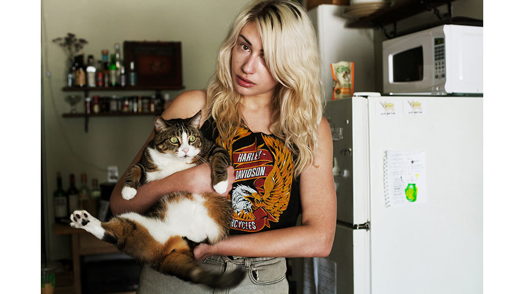 Check out beautiful photos of NYC girls and their cats