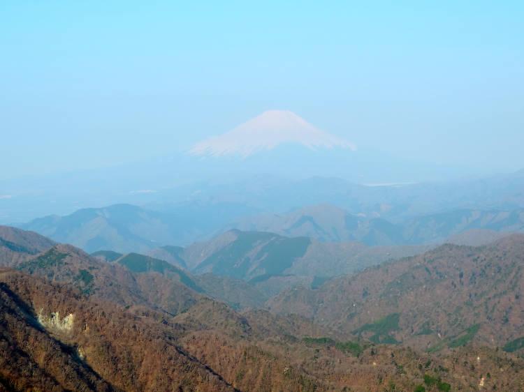 Tanzawa Mountain Range (1,673m)