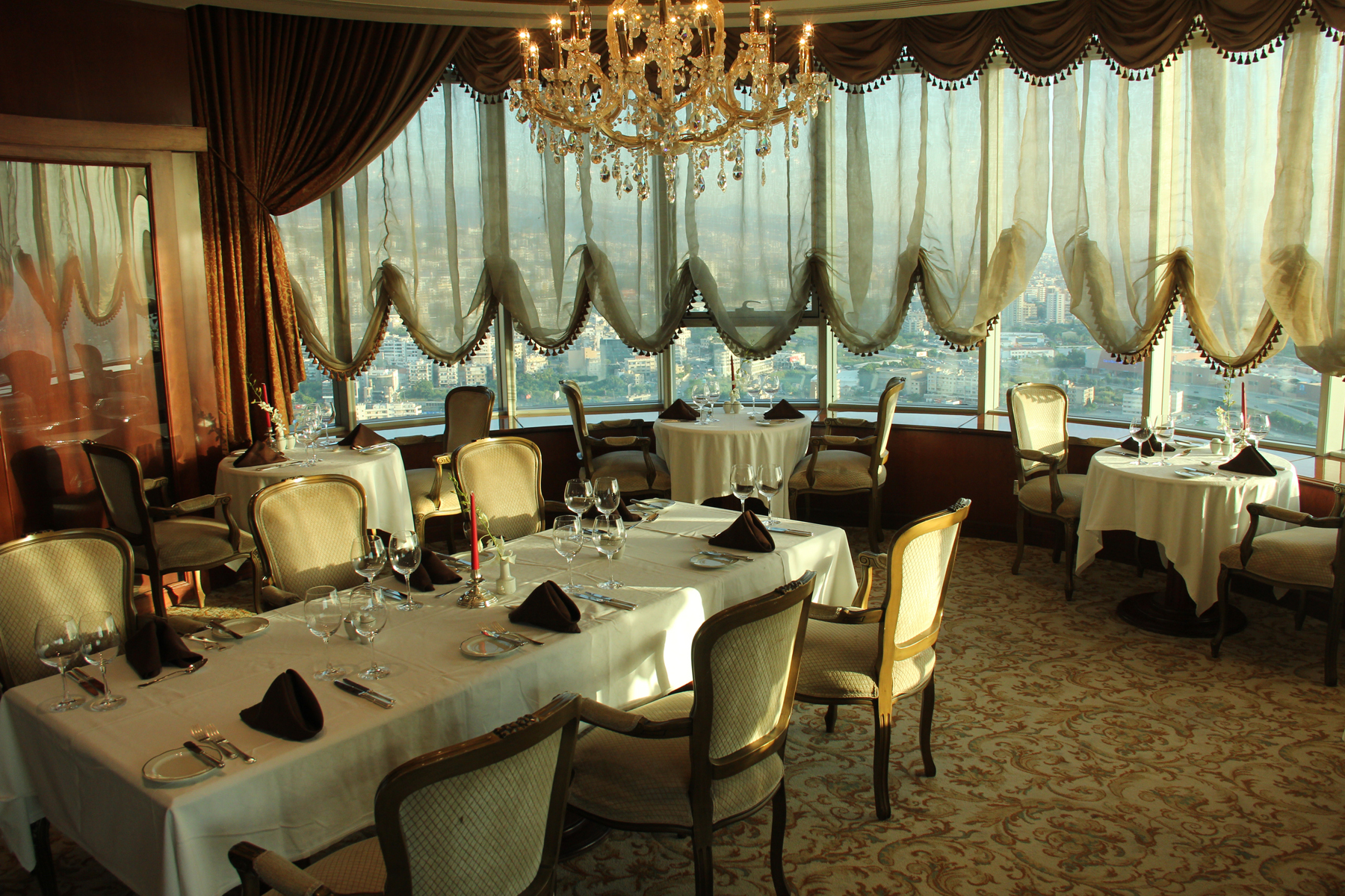 Le Ciel, Restaurants, Beirut
