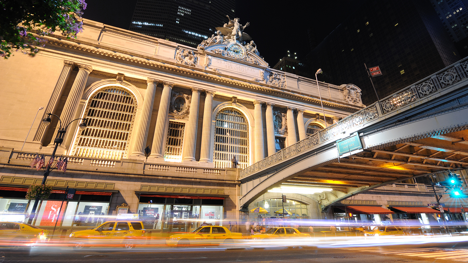 Eat and drink for free at Grand Central every Wednesday this month