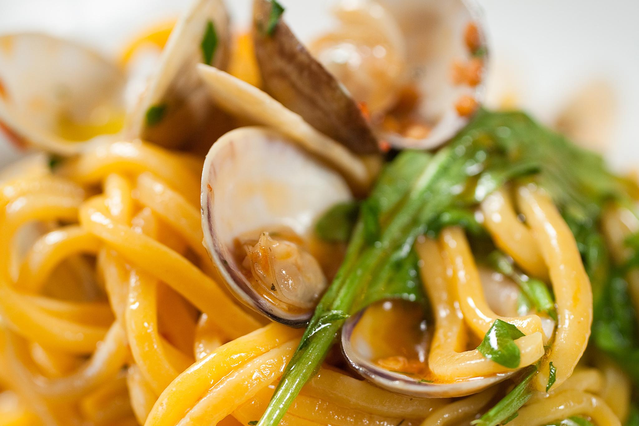 Spaghetti alle vongole at Macchialina
