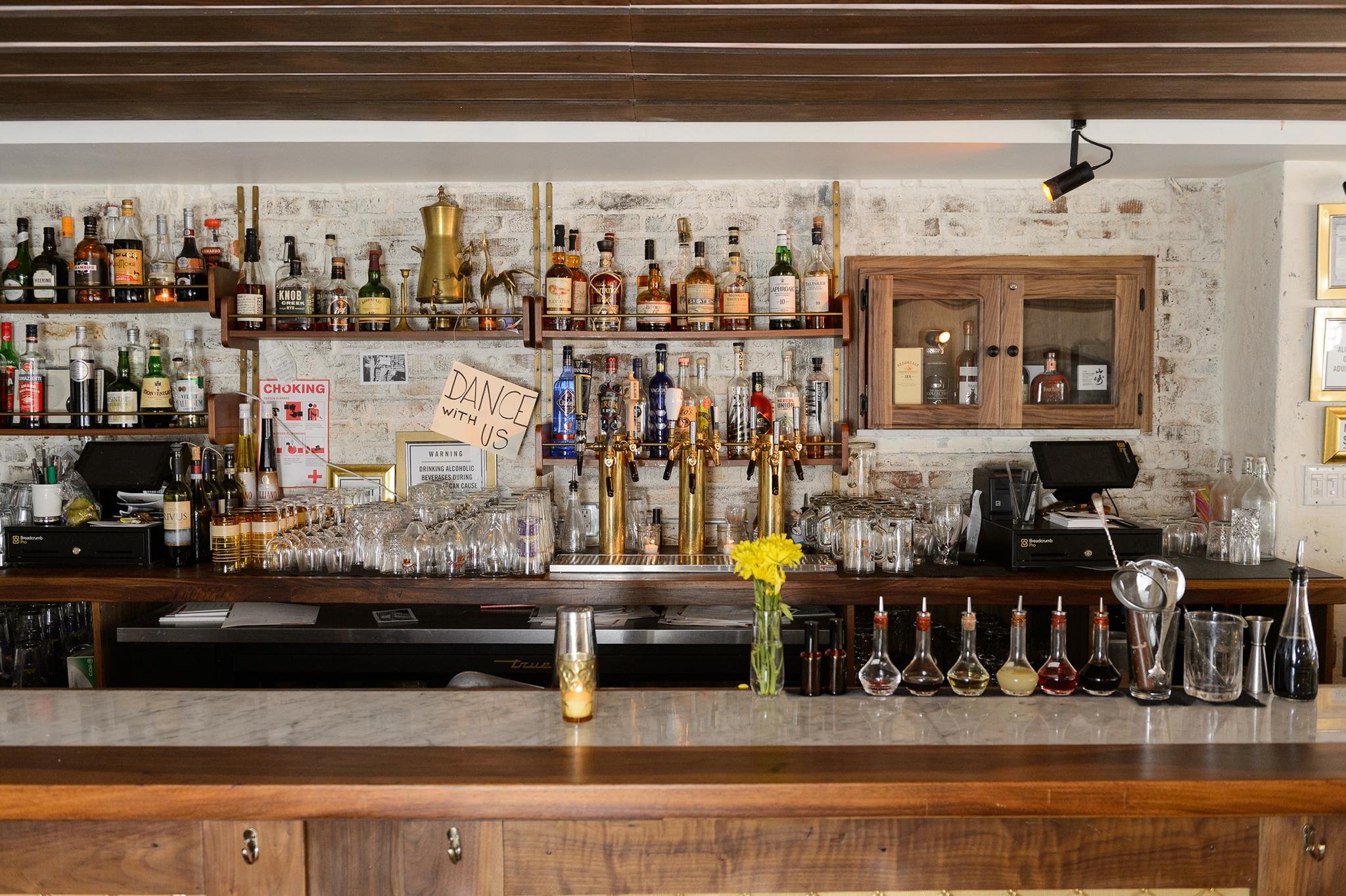 Williamsburg brooklyn guide to bars restaurants and for Things to do in williamsburg brooklyn