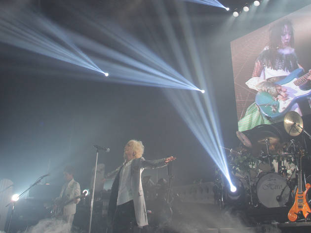Raphael's memorial concert for band member Kazuki (on the screen)