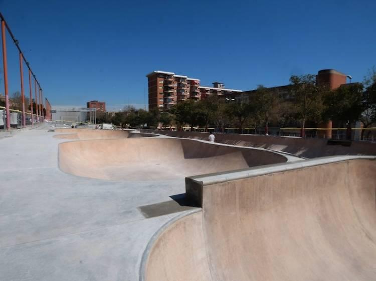 Guineueta, Skate and destroy
