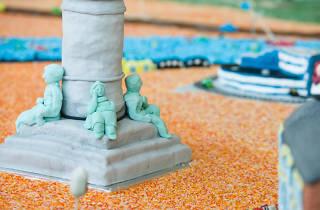 cake fest pillar