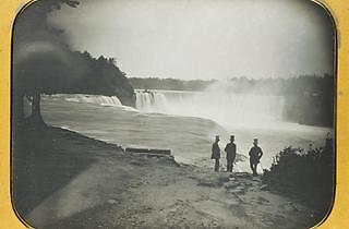 Niagara Falls from the American side, whole plate daguerreotype by Platt D Babbitt, c.1855. Platt D Babbitt (1822-79) ensconced himself at a leading tourist spot beside Niagara Falls, from 1853.