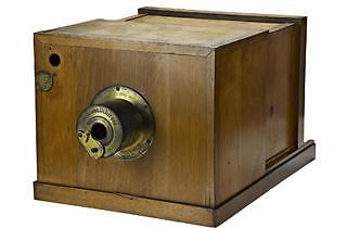 Daguerreotype camera, made by A Giroux et Cie, 1839: this camera was bought by WHF Talbot in October 1839.
