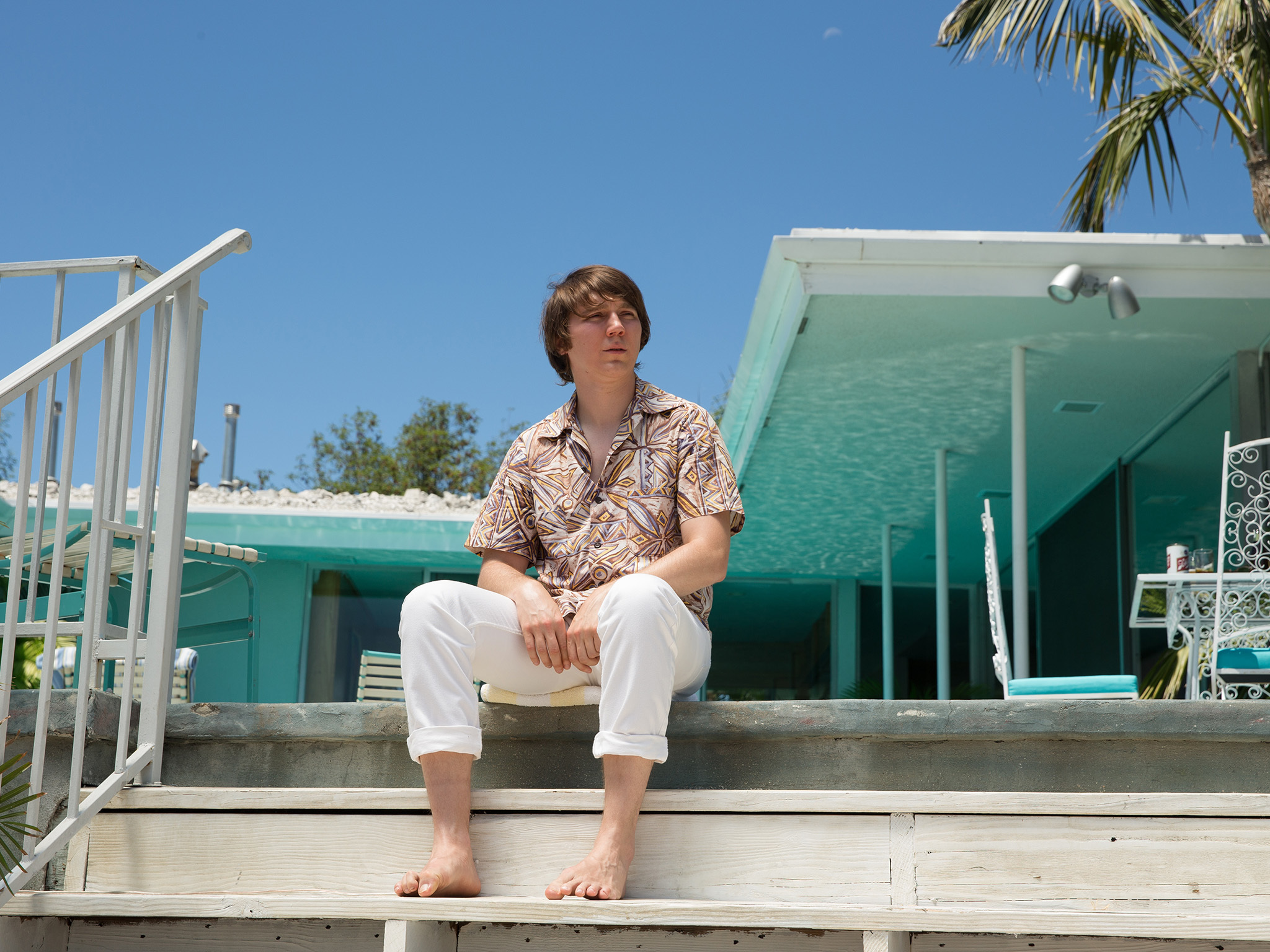 Paul Dano on the set of Roadside Attraction's LOVE AND MERCY. © Francois Duhamel