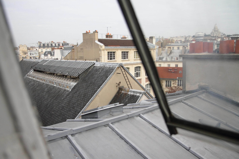 Une singularit parisienne les chambres de bonne for Acheter une chambre de bonne a paris