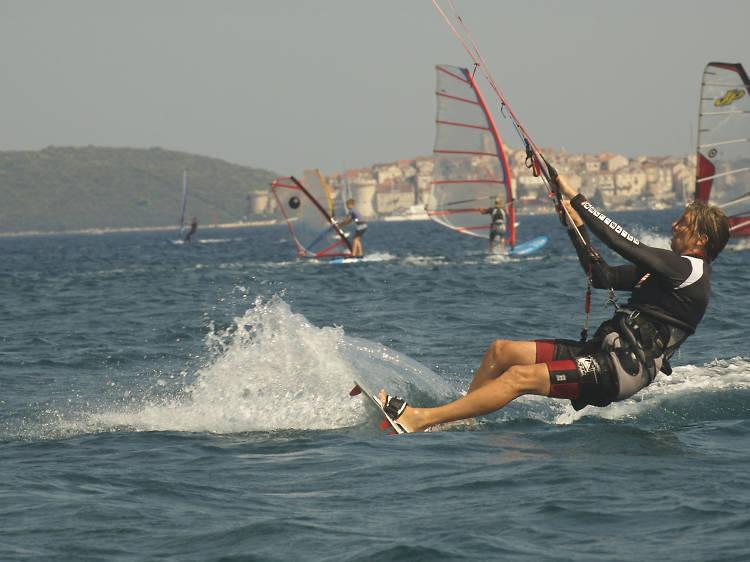 Go wind and kitesurfing