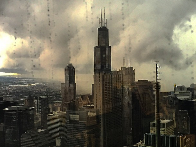 Frighteningly apocalyptic scenes from Chicago's tornado warning